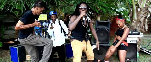 Clip Elji, Alias Feeling – Lovable